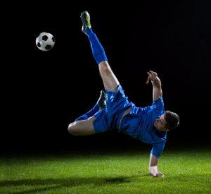football_soccer_kick_websize